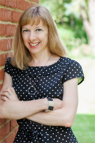 ABOUT_photo_KAT